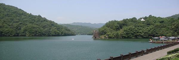 湖北省博物馆位於武汉市武昌区武昌东湖路,全国八家中央