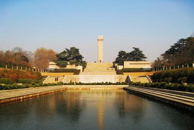 由名胜古迹区,烈士陵园区,雨花石文化区,雨花茶文化区,游乐活动区和